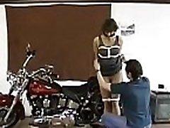 avid ohraničené děvka dostane nějaké drsné bdsm stylu výprask