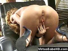Vaalea kaunotar Sofia masturboi