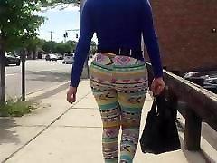 Big Culo Mature in shorts!!!