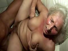 esimene kord, kui ta fucks kuum vanaema!