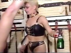 retro boca šampanjca eksplozije pussy