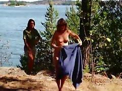 Cathja GRAFF, Rebecca BROOKE, Anita ERICSSON hd buald saxy 1975