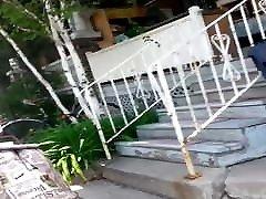 jamajský milf s phatty v šedej nohavice