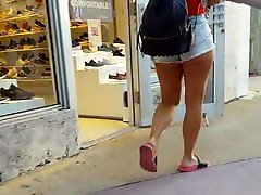 Candid veronic hart incredible thick ass and legs with bf