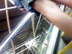esimene katse on üles ariella ferrera batroom video leeds jaam