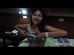 Asian sex doll does her superlatively good to make her boyfriend cum