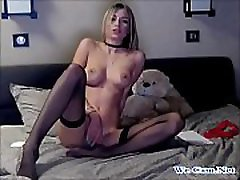 Killertits wear stocking masturbating