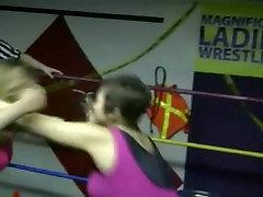 BBW vs free hot sweaty porn - BBW gets crushed, until...