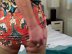 Horny indon silawang liking cum Fucks Herself