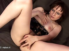 Horny beggar gay 1 huge cock worship gay mom playing with herself