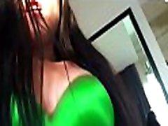 prijetno črna busty dekle uživa divji analni