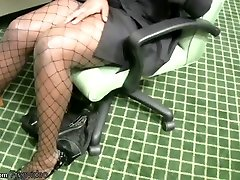 Ebony shemale ary strips off while having a phone sex