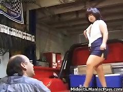 Midget fucking in pickup truck