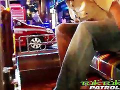 Tai Tüdruk võtab Suur Valge Kukk