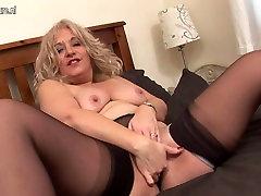 Blonde direct sex videos slut getting wet on couch