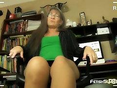 No diliwiry vidio At Work! - FOOT FETISH