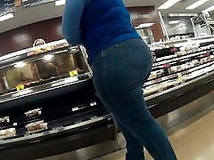 BBW milf heavy booty cheeks stuffed in her jeans