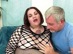 en fyr som tilber en bbw&039;s fett kroppen og knuller henne hardt
