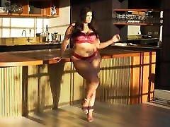 Plus size lingerie photoshoot