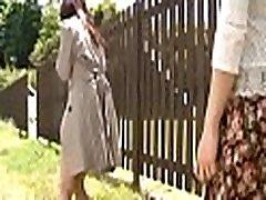 vroče prilagodljiv dekle jezdi težko gumb na kampiranje