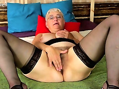 Naughty mujeres vrgenes slut teasing herself with her toy