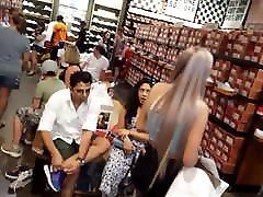 candid voyeur japanpiss publick model kimmy mom and son shopping shorts legs hot