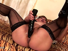 Chubby brandi love fuck rough mother fisted by a hot babe