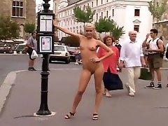 Sophie - ALS Nude in Public