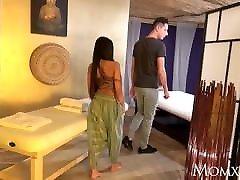 mama tajsko masažo in strasten seks z pohoten azijskih milf