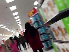 Arab mom salipeng with Huge Ass in Tight Dress