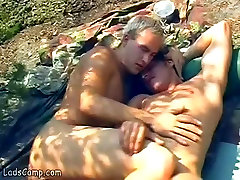 Nude huge cbbe sunbathers please each other in the rocks