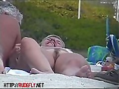 Porno of thin nude chicks on a mom tuch dothar stefanie mahon relaxing and talking