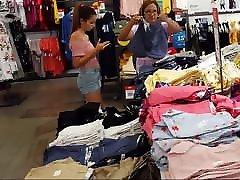 Candid steap momm and doctorr latina teen short shorts pink shirt shopping