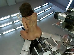 Leilani Leeane is stuffed by a pumping fuck machine
