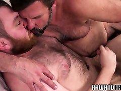 Ginger bear pounding older hunk bareback