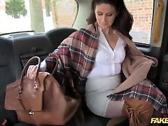 ponaredek taxi vroče minx vrne za grobo analno