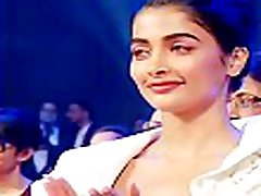 very hot & sexy beautiful adeepika apadukone hot nipp and body showing in award function hot video 3 - best video