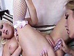 hot milf lezbijke nikki phoenix in capri cavanni pa svoje strasti svoboden