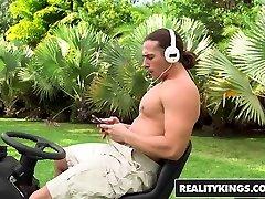 RealityKings - fat women and fat man desi sex made Boss - Aleksa Nicole Tarzan fucked teen sister seachcock sliding Boss Tarzan was - Bossy Bossom