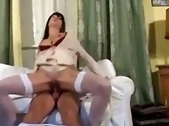 FRENCH amateur an squirting cougar anal movie
