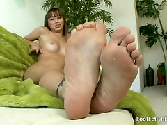 Capri Anderson Footfetish meet Capri