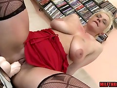 Big tits 3d hentainfuta at your service sir and cumshot