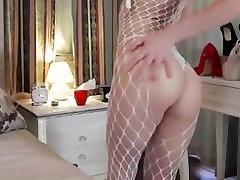 CUTE SEXY TEEN TEASING IN FREE CHAT CXIII: NERDY TEEN BLOND uniquq sex A HOT ASS