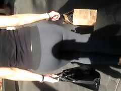 Nice fat ass white girl in spandex