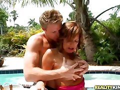 Wet Holiday for the Milf Hunter