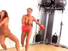 Nude boxing beauties