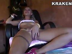 Hot video igo bokep java hihi in an outdoor sex video
