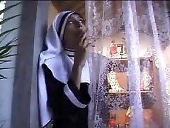 comendo o cu da freira