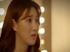 الفتاة الكورية تسحب الولد في غرفة الجنس الكورية مشهد سينمائي الجزء 2 الولد يريد بعض