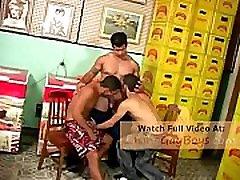 Brazilian Hunk Fucks Twink - latinogayboys.com